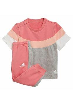 adidas Performance - SUMMER JOGGING - Spodnie treningowe - pink