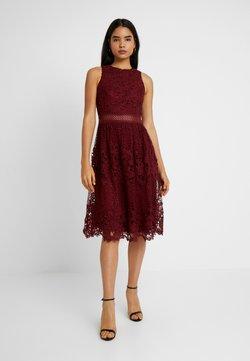 Chi Chi London Tall - VERSILLA - Cocktail dress / Party dress - burgundy