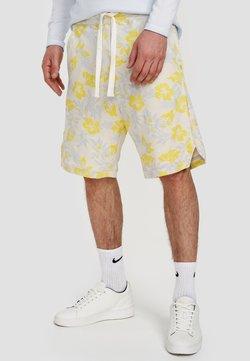 Ordinary Truffle - Shorts - white