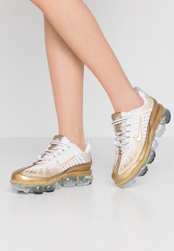 Nike Sportswear - AIR VAPORMAX 360 - Matalavartiset tennarit - white/metallic gold/black/metallic silver