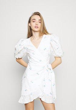 Missguided - FLORAL BRODERIE PUFF SLEEVE MINI DRESS - Freizeitkleid - white