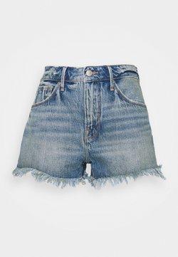 Good American - LONG FRAY HEM - Shorts di jeans - blue