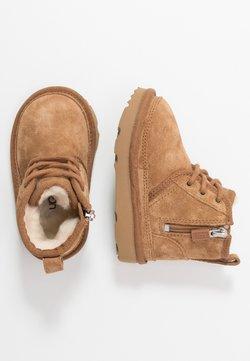 UGG - NEUMEL - Lace-up ankle boots - chestnut