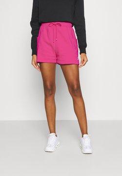 Nike Sportswear - AIR - Shorts - fireberry/(white)