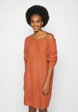 Missguided - AYVAN OFF SHOULDER JUMPER DRESS - Robe pull - rust