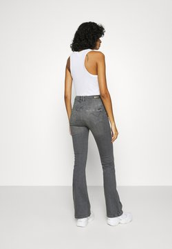 ONLY - ONLPAOLA FLARED JEANS - Flared Jeans - black denim