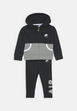Nike Sportswear - AIR LEGGING SET - Hoodie met rits - black