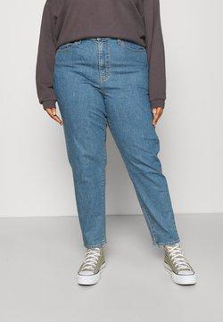 Levi's® Plus - HIGH WAISTED MOM JEAN - Jeans fuselé - light-blue denim