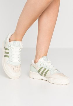 adidas Originals - RIVALRY  - Sneaker low - offwhite/tent green/linen green