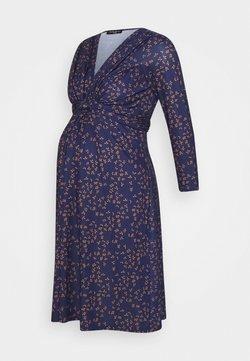 Pietro Brunelli - MADONNA DI CAMPIGLIO NURSING - Vestido ligero - blue