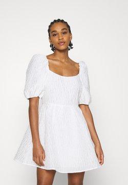 NA-KD - DEEP BACK MINI DRESS - Cocktailkleid/festliches Kleid - white