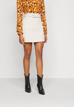Fashion Union Petite - JEEVES SKIRT - A-lijn rok - cream quilted