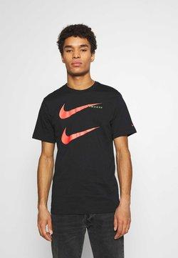 Nike Sportswear - TEE - T-shirt con stampa - black/ember glow