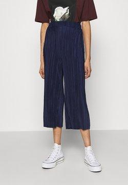 Cotton On - POPPY PLEATED CULOTTE - Pantalon classique - navy blue