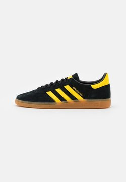 adidas Originals - HANDBALL SPEZIAL UNISEX - Sneakers - core black/yellow/gold metallic