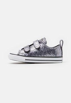 Converse - CHUCK TAYLOR ALL STAR GLITTER - Sneakers basse - black/bright coral/white