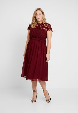 Chi Chi London Curvy - ELLA LOUISE DRESS - Cocktailkjoler / festkjoler - wine asjoey dress