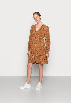 MAMALICIOUS - NURSING DRESS - Sukienka koszulowa - meerkat