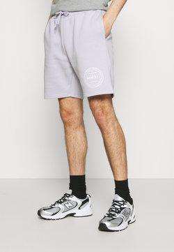 CLOSURE London - LOGO EMBLEM  - Shorts - lilac