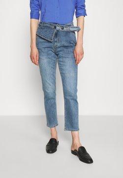 Steffen Schraut - CAROLYNE FASHIONISTA PANTS - Jeans fuselé - fashion denim
