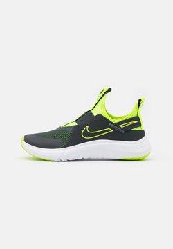 Nike Performance - FLEX PLUS UNISEX - Zapatillas de running neutras - dark smoke grey/volt/white
