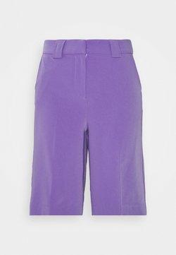 Lost Ink - LONGLINE CITY SHORTS - Shorts - purple