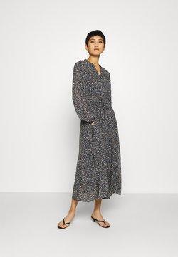 Marc O'Polo - DRESS LONG STYLE BELTED WAIST DETAILED NECKLINE - Freizeitkleid - multi