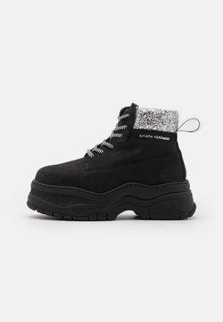 CHIARA FERRAGNI - WORKING BOOT - Ankle Boot - black