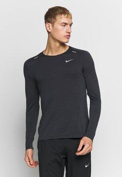 Nike Performance - M NK TECHKNIT ULTRA LS - Langarmshirt - black/dark smoke grey/reflective silver