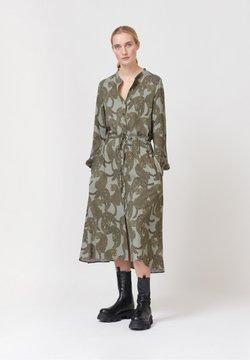 Dea Kudibal - Vestido camisero - amur army