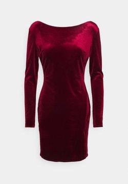 Nly by Nelly - SPLIT DRESS - Vestido de tubo - wine