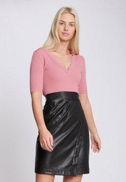 Morgan - WITH SCALLOP HEM - T-Shirt print - pink