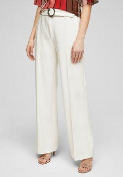s.Oliver BLACK LABEL - MIT BÜGELFALTEN - Pantalon classique - white