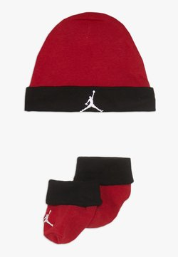 Jordan - BASIC HAT BOOTIE SET  - Mütze - gym red