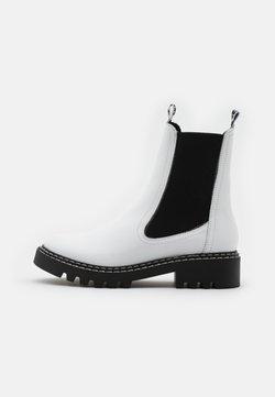 Tamaris - BOOTS  - Stiefelette - white