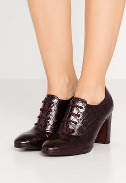 Chie Mihara - ELITA - High Heel Stiefelette - kenya grape