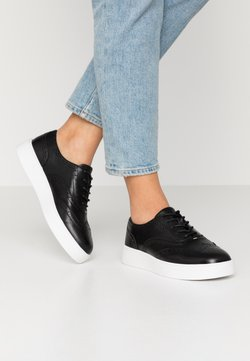 Clarks - HERO BROGUE - Stringate sportive - black