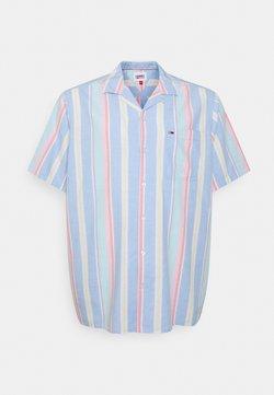 Tommy Jeans Plus - STRIPE SHIRT - Hemd - light powdery blue