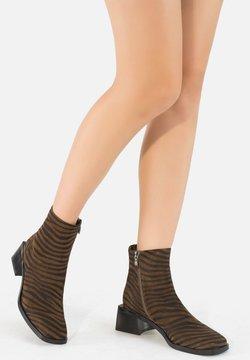 Ekonika - Ankle Boot - zebra-oliv