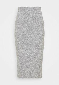Pieces - PCPAM PENCIL SKIRT - Falda de tubo - light grey melange