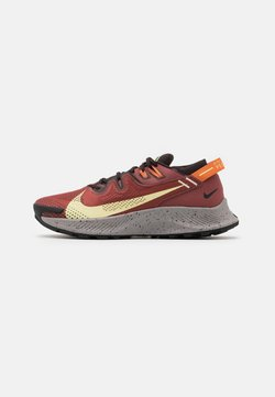 Nike Performance - PEGASUS TRAIL 2 - Löparskor terräng - claystone red/life lime/velvet brown/healing orange/black/college grey