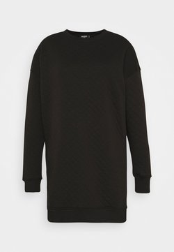 Missguided Plus - QUILTED SWEATER DRESS - Freizeitkleid - black