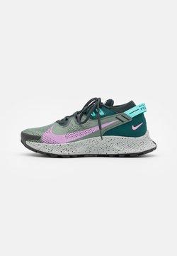 Nike Performance - PEGASUS TRAIL 2 - Laufschuh Trail - seaweed/beyond pink/spiral sage/dark atomic teal/aurora green/light silver