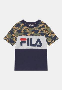 Fila - THEA BLOCKED TEE UNISEX - Camiseta estampada - black iris/desert/bright white