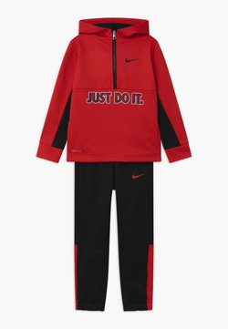 Nike Sportswear - THERMA HALF ZIP SET - Survêtement - black/university red
