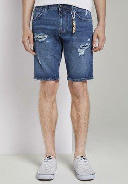 TOM TAILOR DENIM - MIT SCHLÜSSELAN - Jeans Shorts - random bleached  blue denim