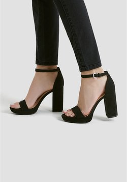 PULL&BEAR - Højhælede sandaletter / Højhælede sandaler - black