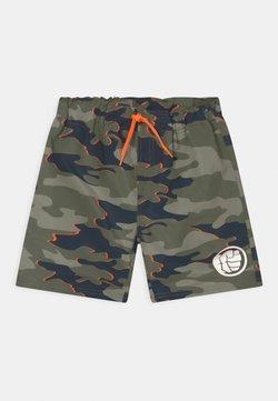 Name it - NKMAVENGERS  - Swimming shorts - ivy green