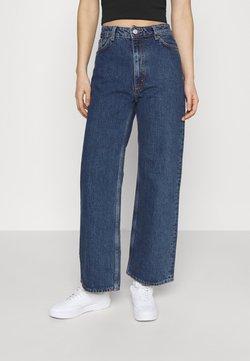 Monki - YOKO CROPPED LA LUNE - Jeans Skinny Fit - blue medium