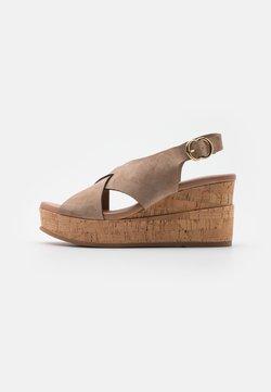 Pedro Miralles - Platform sandals - fango